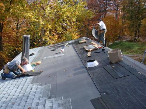 Roofing crew